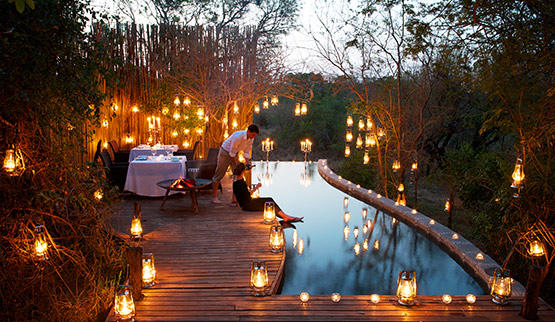Romantic dining at Londolozi Pioneer Camp.